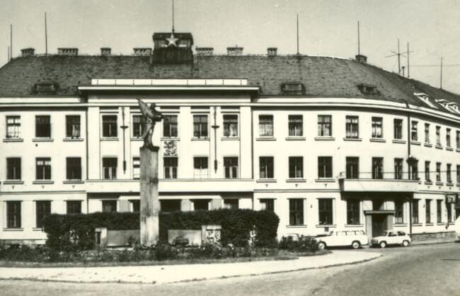 Pierwsza fabryka zegarków Prim w miejscowości Nowe Miasto nad Metują