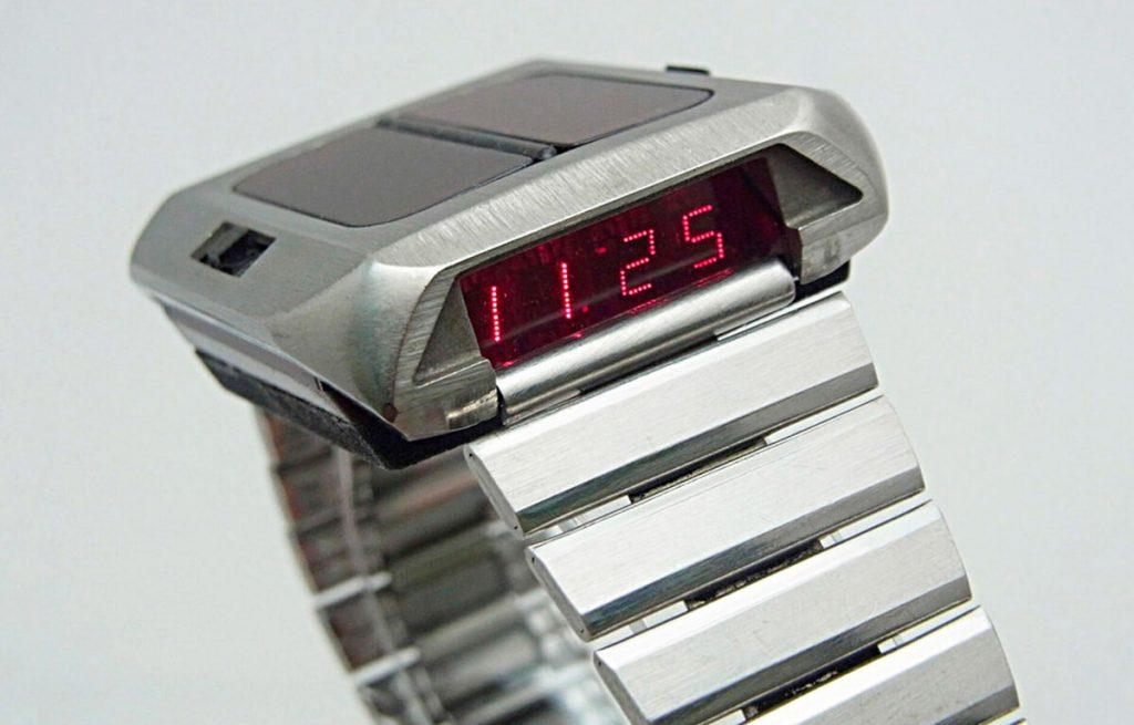 Pierwszy zegarek zasilany energią słoneczną - Synchronar 2100