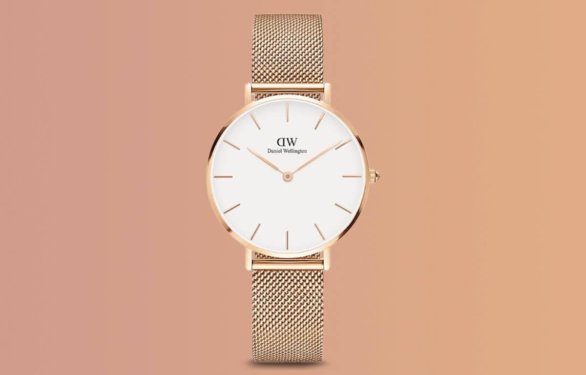 Tani zegarek Daniel Wellington w różowo-złotym designie