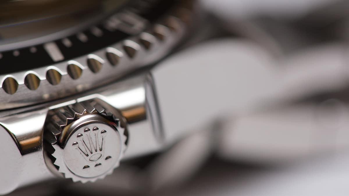 Zegarki Rolex i wybrany szczegół: koronka zegarka