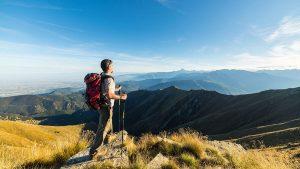 Obowiązkowy sprzęt outdoorowy powinien zawierać również wysokiej jakości zegarek outdoorowy.